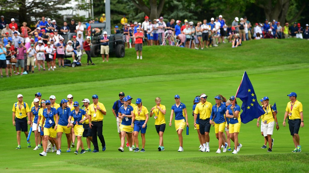 WEST DES MOINES, IA - AUGUST 20:  The players and officials of Team Europe walk down the fairway during the final day singles matches of The Solheim Cup at Des Moines Golf and Country Club on August 20, 2017 in West Des Moines, Iowa.  (Photo by Stuart Franklin/Getty Images)