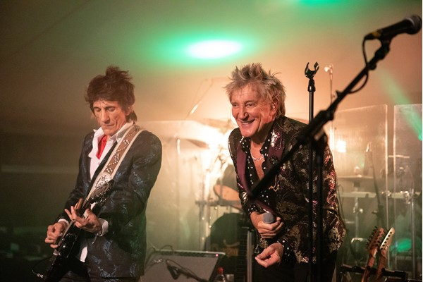 Sir Rod Stewart and Rolling Stones guitarist Ronnie Wood (left) reunite to play The Faces' greatest hits at the European Tour Foundation Gala Dinner at Wentworth.  Picture by JAMES CHEADLE