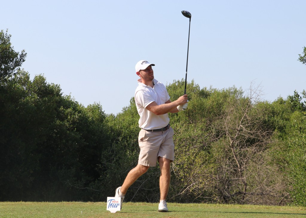 Scott Henry playing in the second round of the 2019 Ras Al Khaimah Open